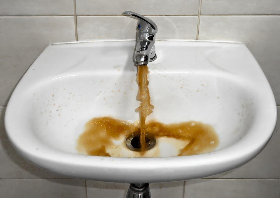 špinavá voda