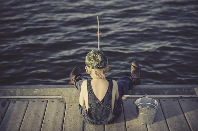 chlapec, kyblík, rybaření