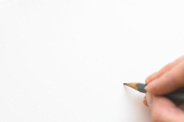 tužka na papíře
