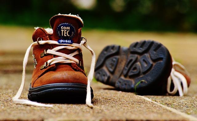 kožená dětská obuv