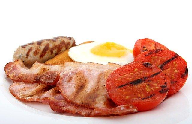 grilovaná snídaně