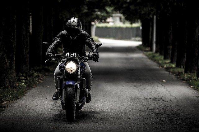 řidič motorky